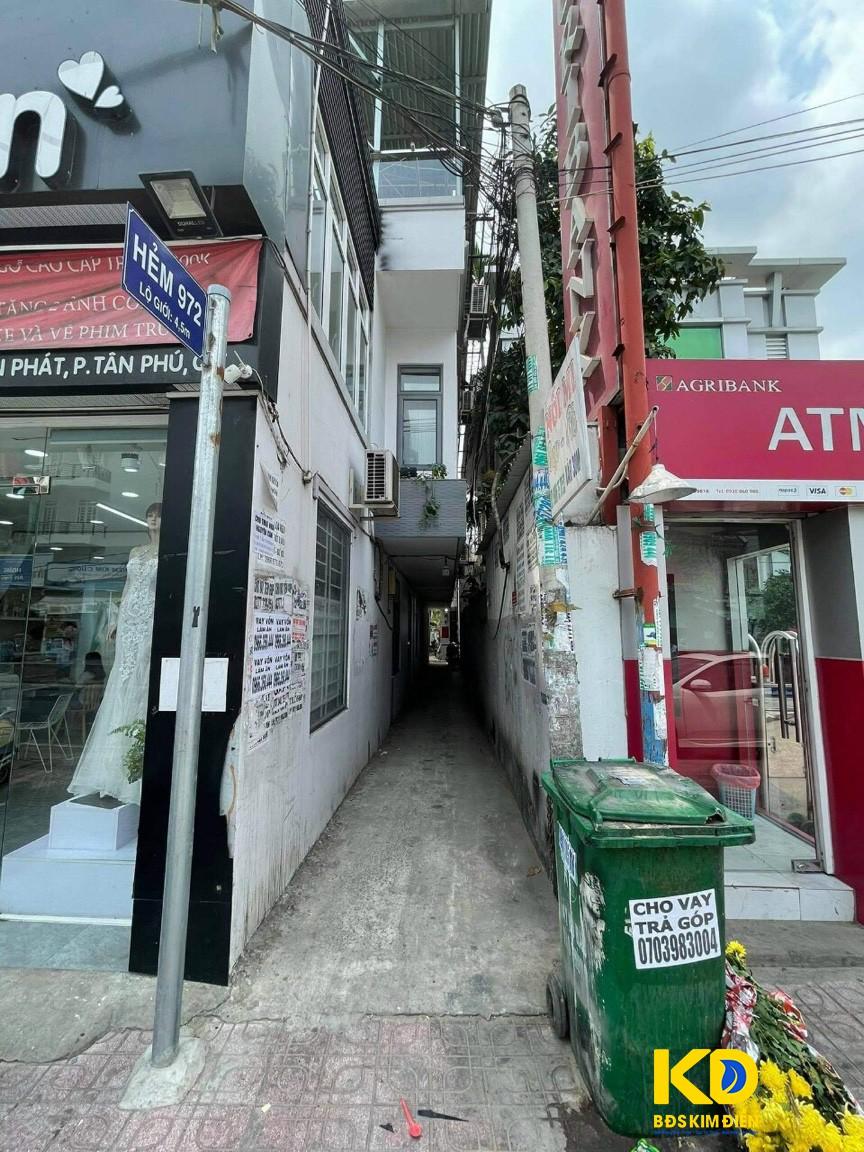 Bán nhà nát 1 lầu hẻm 972 Huỳnh Tấn Phát P.Tân Phú Quận 7.